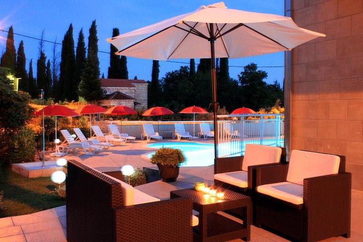 Dubrovnik, Konavle, 5 apartmana za iznajmljivanje